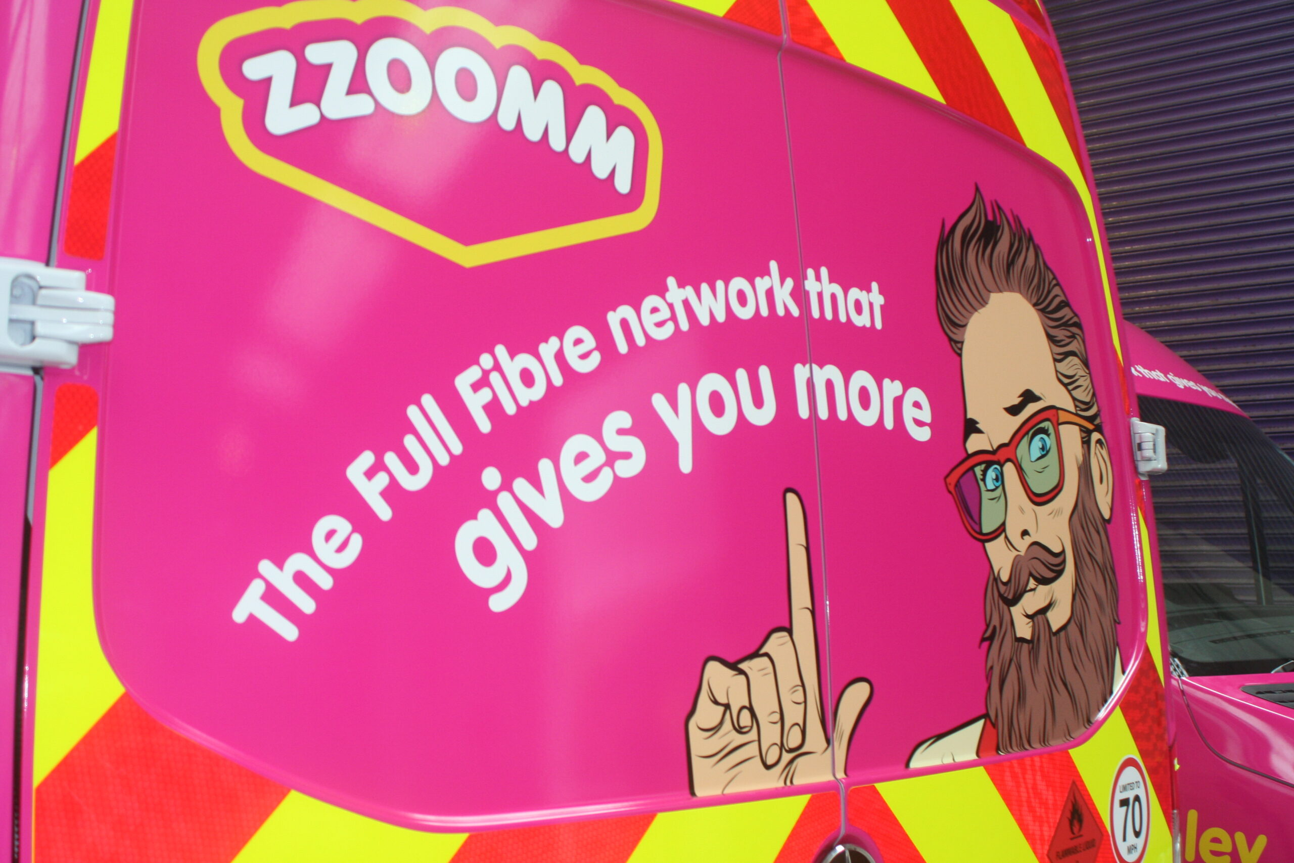 Silverpeak advises fibre broadband network operator Zzoomm on £100m investment by Oaktree